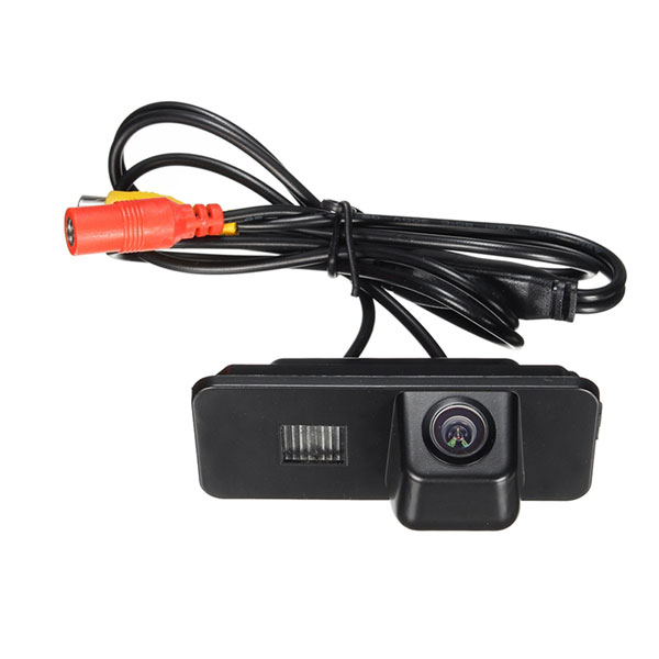 backup camera for VW Scirocco Eos Lupo Passat CC Phaeton Beetle Polo Golf & oembackupcam.com
